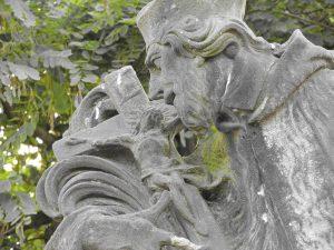 statue-christ-sorrowfull