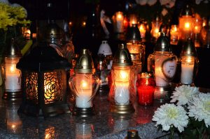 candles on a grave